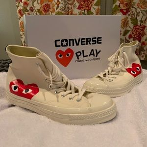 Brand *NEW* Converse chuck taylors play